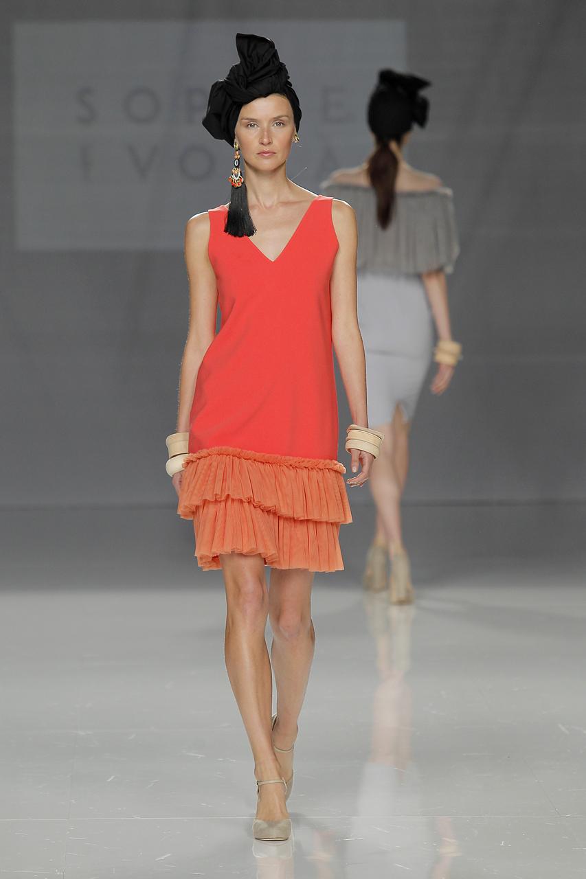 Vestido de invitada para 2018 de Sophie et Voilá. Imagen: Barcelona Bridal Fashion Week.