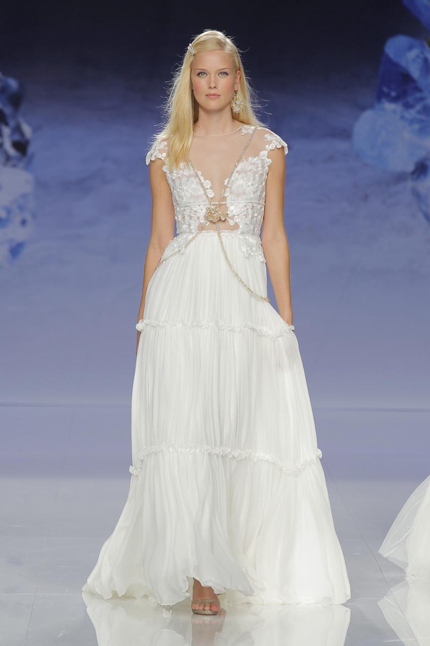 Vestidos de novia de Inmaculada García. Imagen: Barcelona Bridal Fashion Week.