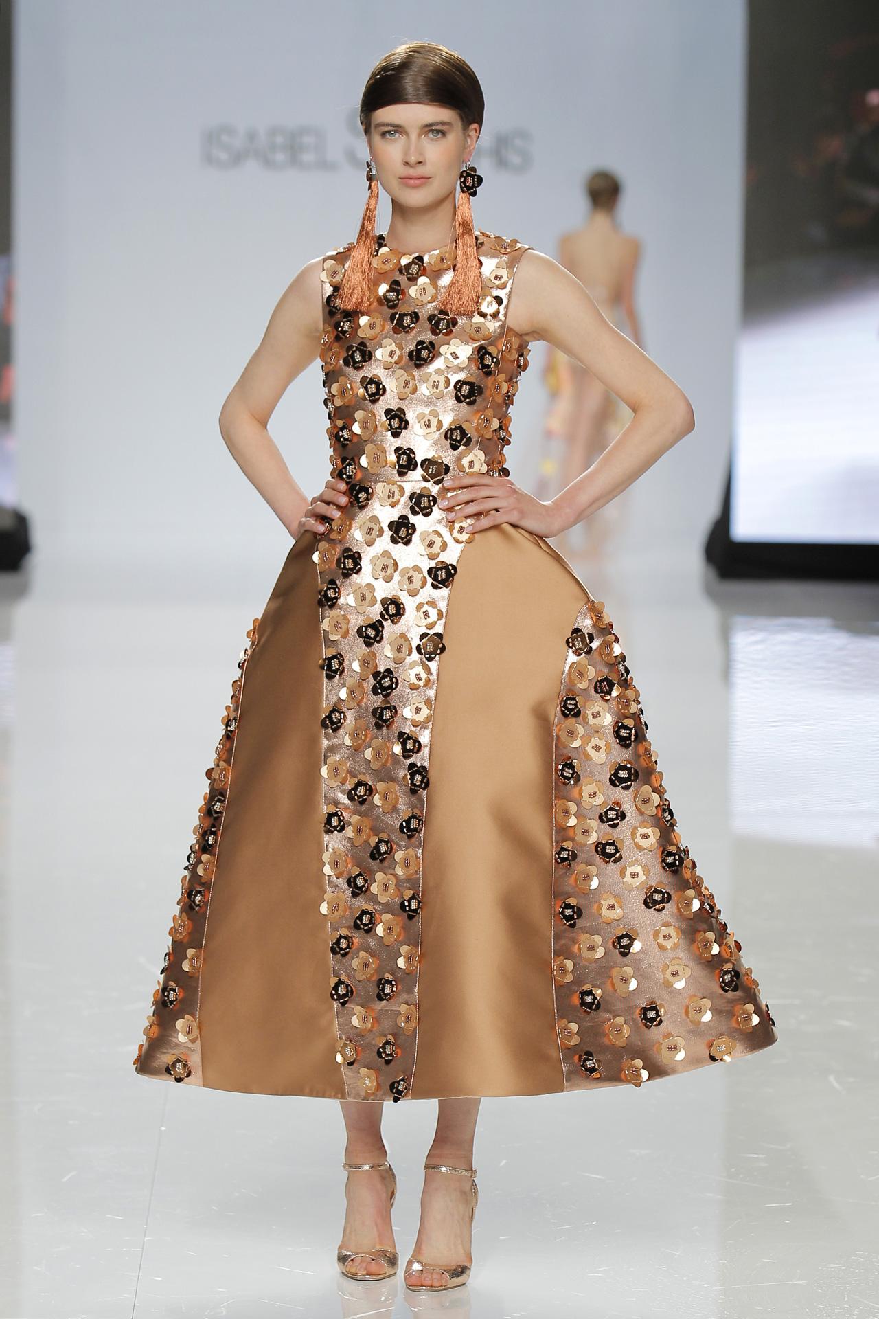 Diseño de Isabel Sanchis en Barcelona Bridal Fashion Week