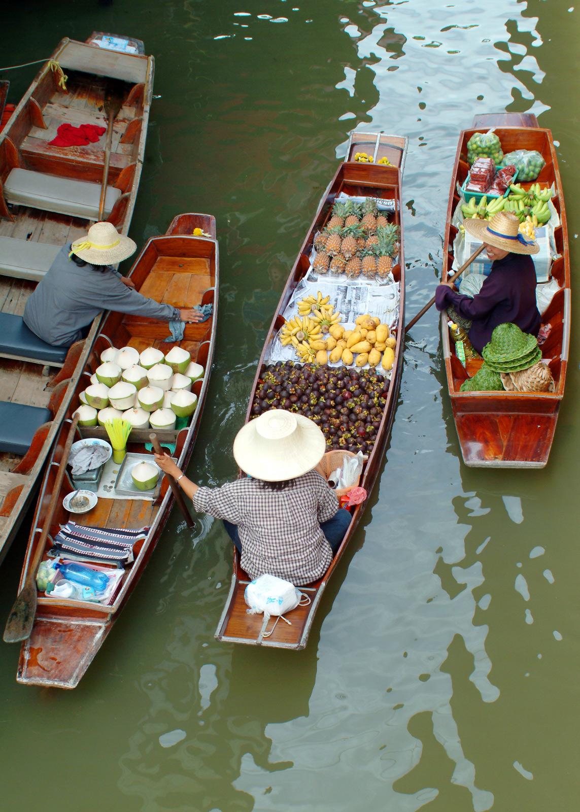 Mercado flotante de Bangkok. Imagen de Turismo de Tailandia