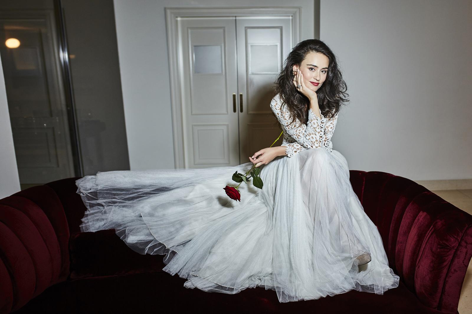 Imagen de Gran Meliá Hotel Palacio de los Duques. Vestido de novia de Nihil Obstat.