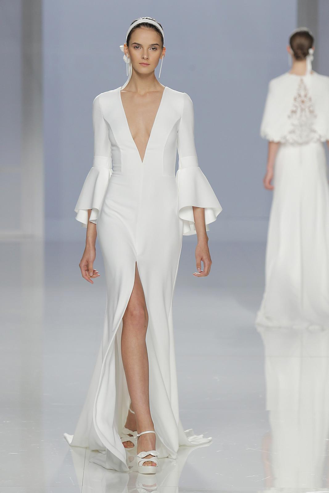 Vestido de novia de Rosa Clará. Fotografía: Barcelona Bridal Fashion Week.